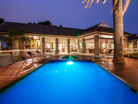 island-way-ammenities-villa-swimming-pool