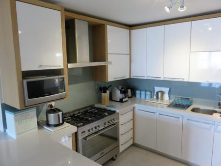 island-way-ammenities-beachhouse-fully-equiped-kitchen