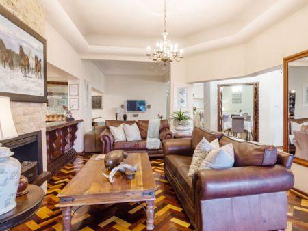 island-way-ammenities-villa-exclusive-lounge